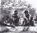 Donne boscimane durante la raccolta. Foto storica.