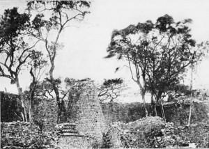 interno delle rovine di GrandeZimbabwe