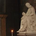 Statua di Saint Vincent de Paul, eminenza grigia della Compagnie du Saint Sacrement. Foto di Sabina Marineo.