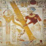 Spesso il simbolo Netjer si accompagna al Djed. Innalzamento del Djed,