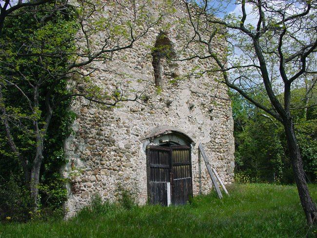 La commenda templare di Mas Déu era, insieme a quella di Perpignan, la più importante del Roussillon. Foto di Sabina Marineo, 2004.