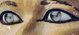 Statua di Rahotep, Museo del Cairo. Dettaglio degli occhi di cristallo. Calcare dipinto, 2590-2551 a. C.