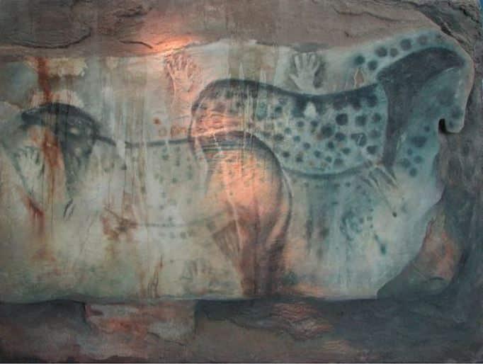 Grotta di Pech-Merle, cavalli. Foto dominio pubblico
