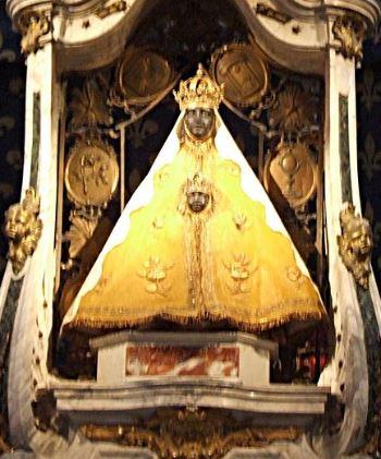 Madonna Nera di Puy-en-Velay. Foto: Wivoelke, CC-BY-3.0