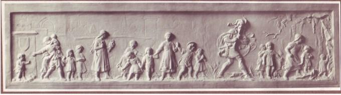 Il pifferaio di Hameln conduce i bambini fuori dalla città. Bassorilievo di Heinrich Wefing.