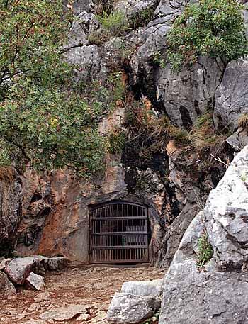 Grotta Cueva de la Pileta. Foto: user-falconaumanni GFDL