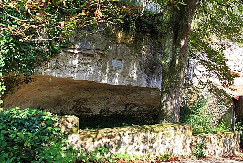 Eyzies-Cro-Magnon-foto-120-CC BY-SA 3.0