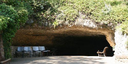 Grotta die Rouffignac. Foto: Grotte_de_Rouffignac_-_Entrée_-SémhurCC-BY-SA-4.0-3.0-2.5-2.0-1.0