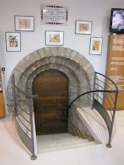 Grotta di Pech Merle, entrata. Fozo: Dominio pubblico