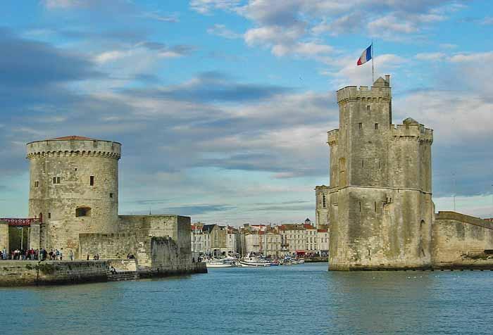 1280px-La_Rochelle_Vieux-Port-Vieux-port de La RochelleRemi JouanCC BY-SA 3.0