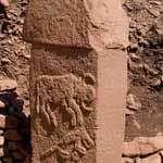 Göbekli Tepe. La scrittura dell'Età della pietra? Pilastro con toro. foto-Teomancimit-Eigenes-Werk CC-BY-SA-3.0