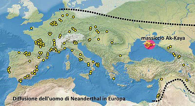 Le ultime tracce del Neanderthal si perdono in Crimea, sul massiccio Ak-Kaya. Foto: Maximilian Dörrbecker CC BY-SA 2.5