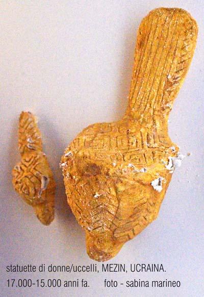 statuette di donne - uccelli, Mezin, Ucraina, 17.000 - 15.000 anni fa. foto - sabina marineo