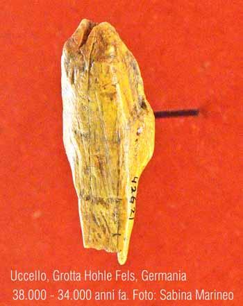 uccello, Grotta Hohle Fels, Germania. 38.000 - 34.000 anni fa. foto - sabina marineo