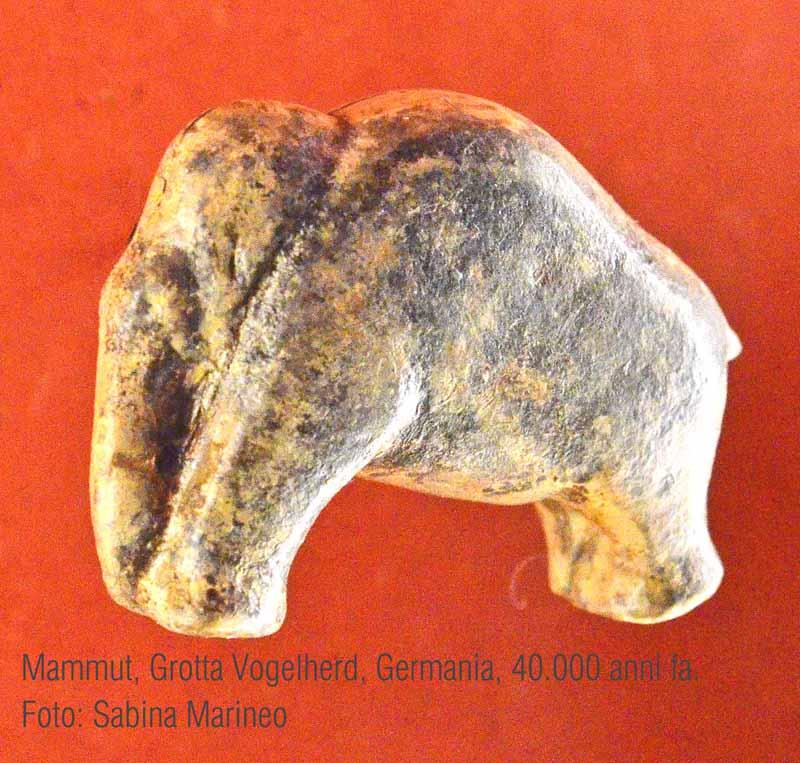 mammut, Grotta Vogelher, germania. 40.000 anni fa. foto - sabina marineo