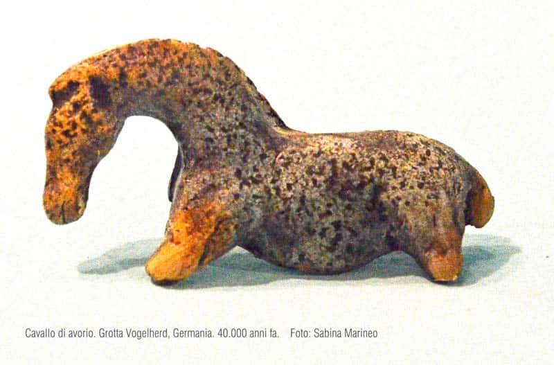 cavallo, Grotta Vogelherd, Germania. 40.000 anni fa. foto - sabina marineo