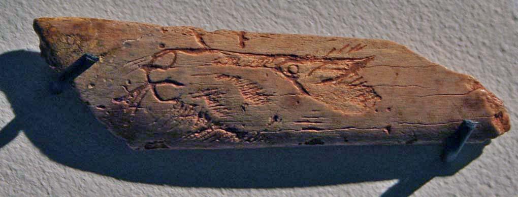 incisione di testa di cavallo su osso. Grotta La Roche de Lalinde, a est di Bergerac, Francia 20.000 - 14.000 anni fa. foto - Einsamer Schütze CC-BY-SA 3.0