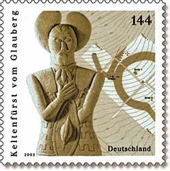 Francobollo con raffigurazione della statua celtica del principe di Glauberg