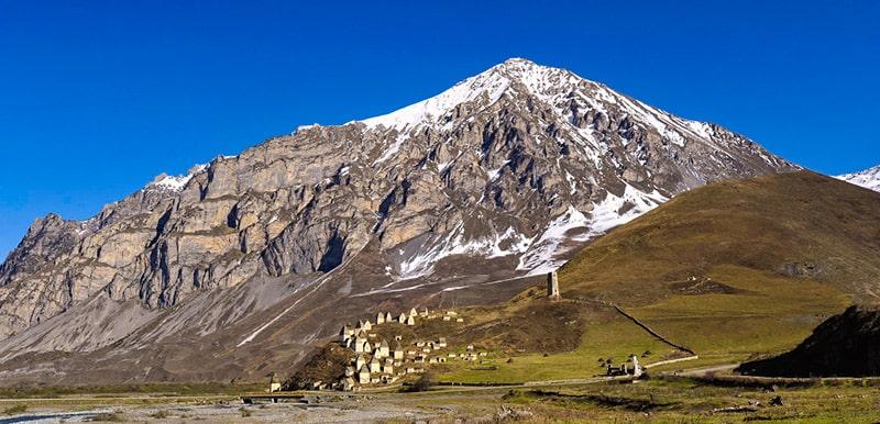 Dargavs. La città dei morti degli Osseti. Foto: Alex Svirkin CC BY-SA 3.0