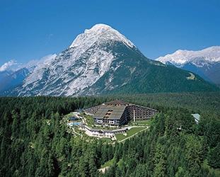Hotel Interalpen a Telfs, Austria. Qui ha avuto luogo il recente meeting dei Bilderberg, giugno 2015.
