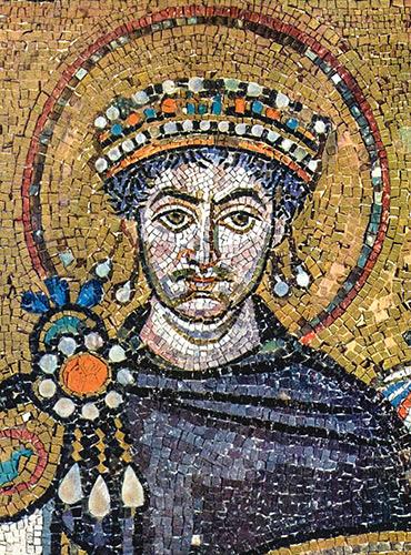 Imperatore Giustiniano da mosaico di San Vitale, Ravenna. Foto: dominio pubblico