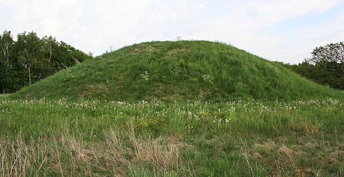 Tumulo funerario in cui era stata sepolta la ragazza di Egtved. Foto: Einsamer-Schütze CC BY SA 3.0
