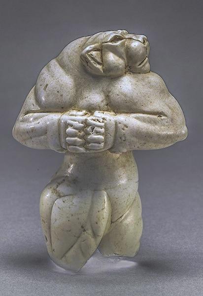 Un'immagine della splendida statuetta elamita, la Leonessa di Guennol
