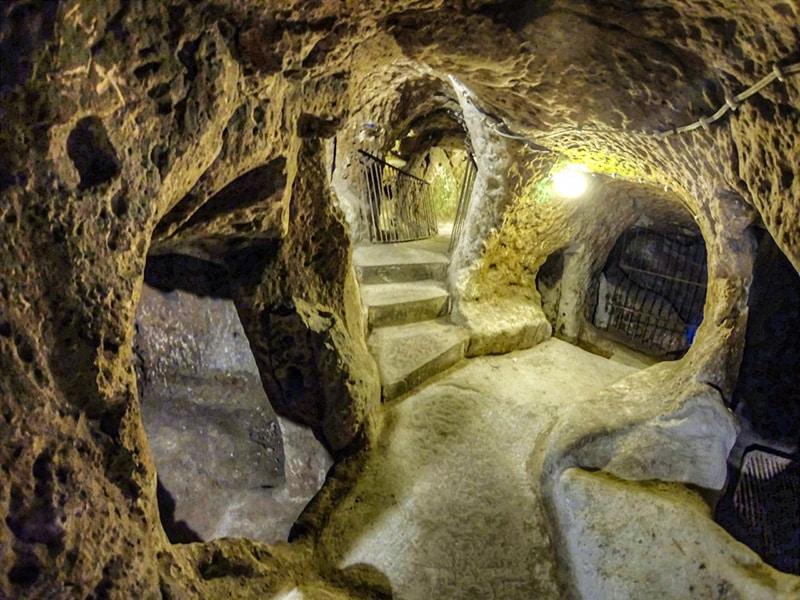 Tunnel sotterranei di Derinkuyu. Foto: Nevit Dilmen CC BY SA 3.0