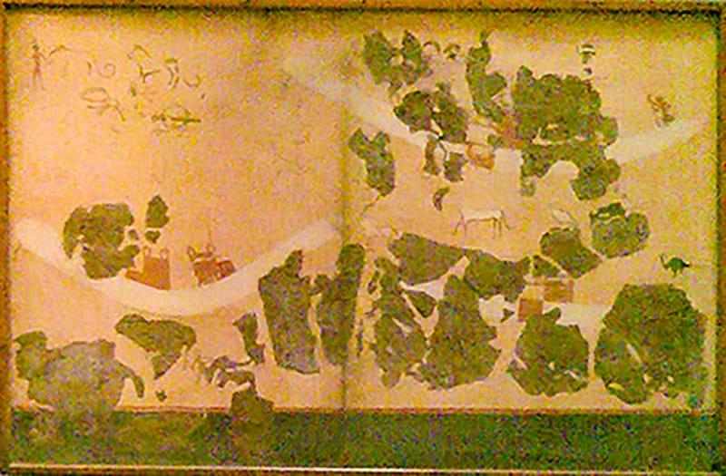 Dettaglio dei frammenti custoditi al Museo Egizio del Cairo. Sulla parte inferiore dell'affresco è ben visibile l'area verde/blu (originale) che potrebbe simboleggiare l'acqua.
