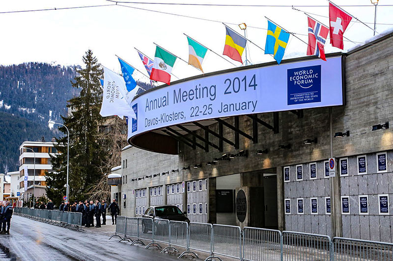 Entrata del Forum Economico Mondiale di Davos, 2014. Foto: Crossroad-Foundation-Photos CC BY 2.0