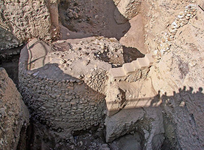 Le impressionanti rovine di Gerico con la torre dalle funzioni miteriose. Foto: Tamarah CC BY 3.0