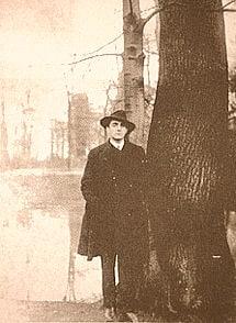 Otto Rahn, cercatore del Graal e appassionato scrittore. Copyright: Spooco CC-BY-SA 3.0
